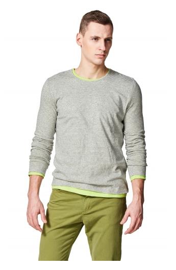 Sweter męski w szare i białe paski. Źródło: http://vistula.pl/swetry-i-bluzy-vst.